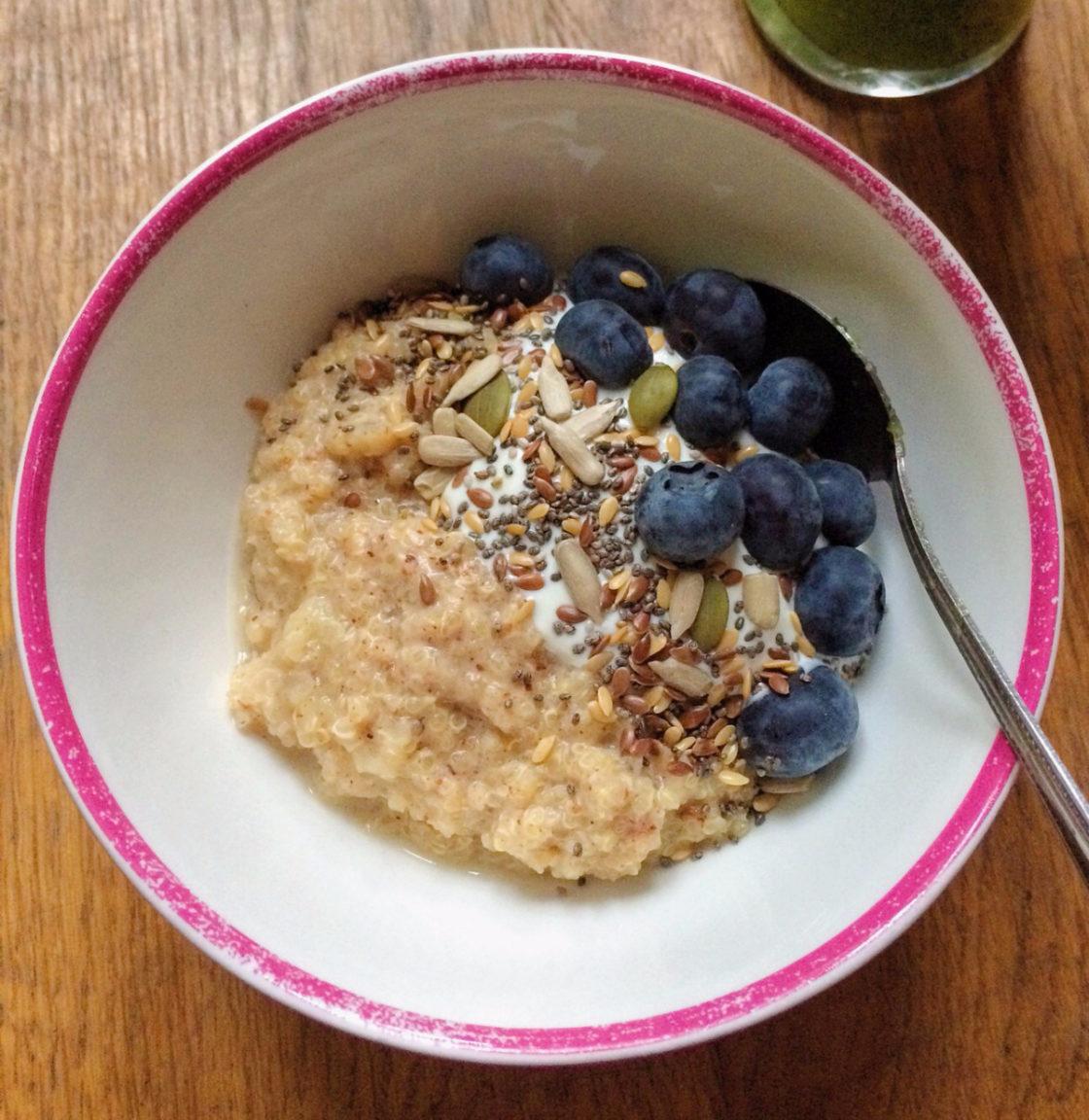Quinoa Almond Bowl; Delalicious