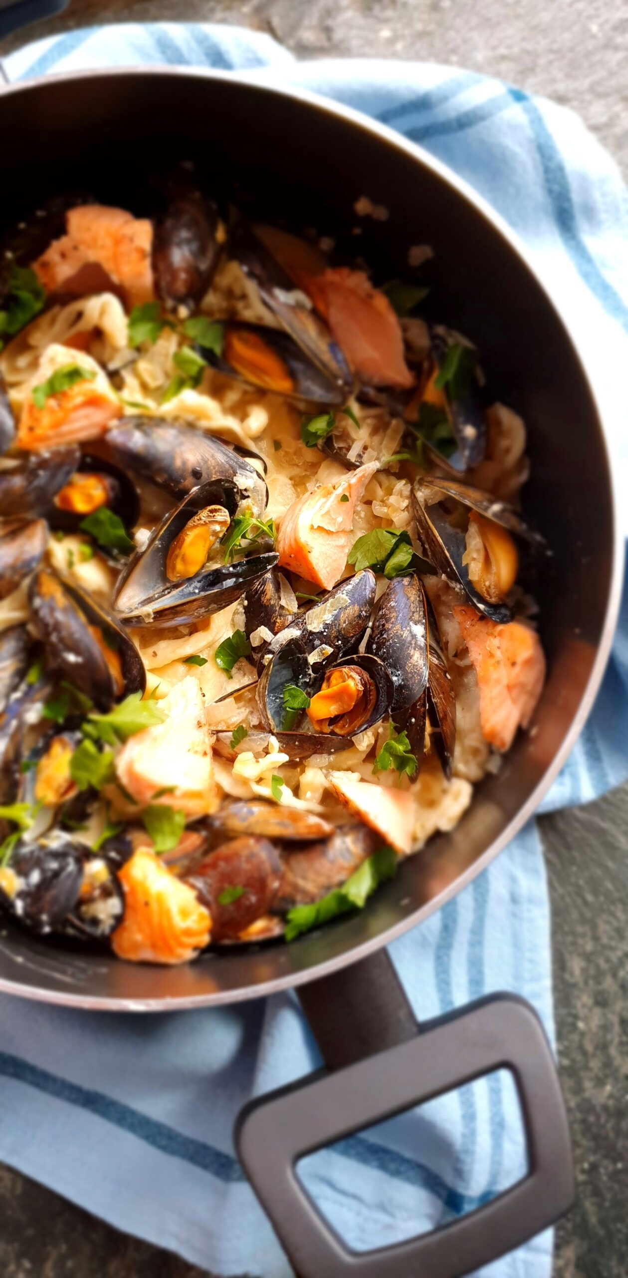 Creamy Mussel & Salmon Tagliatelle; Delalicious; Sinead Delahunty
